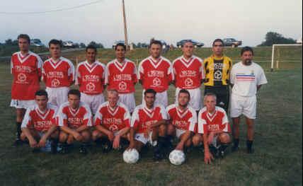 Une équipe le foot de Montreux-Vieux