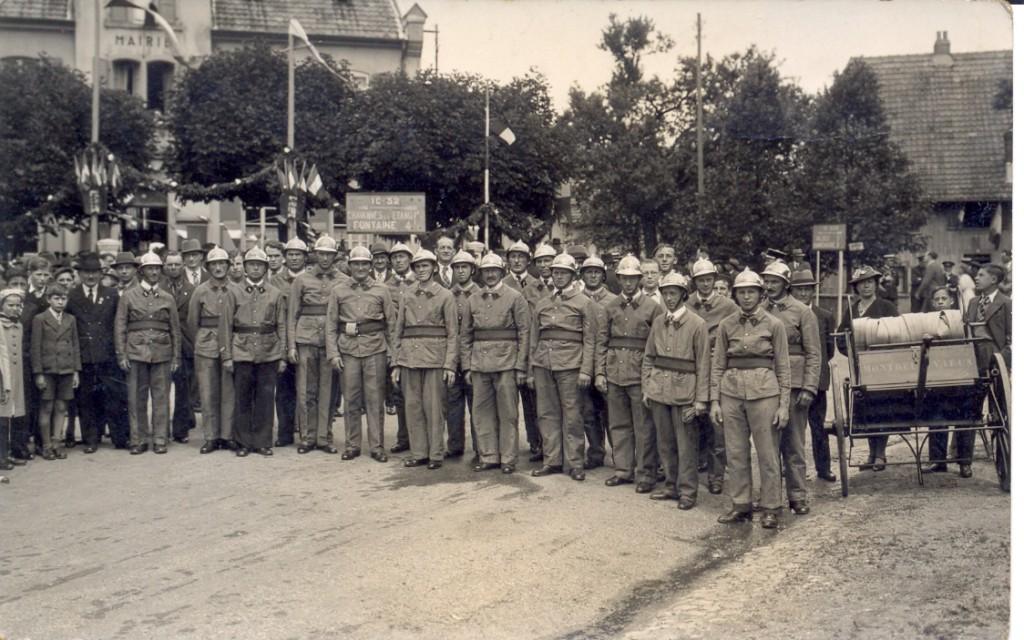 Les sapeurs-pompiers en uniformes